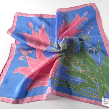 kék selyemkendő rózsaszín tulipánokkal