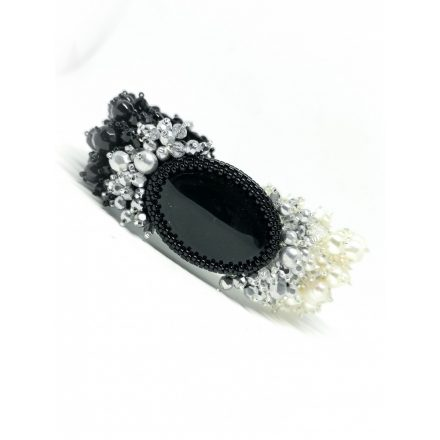 fekete feher borzas karkoto