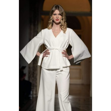white soul queen kimono blazer