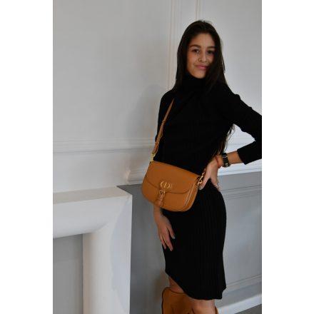 Victoria fekete ruha