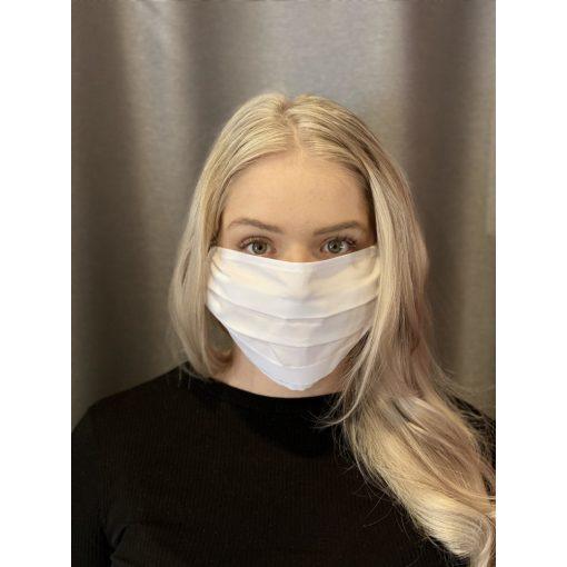 Threee Fehér maszk