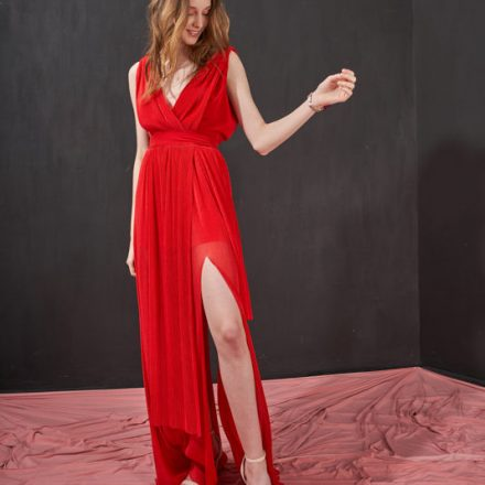 the red long pleated dress