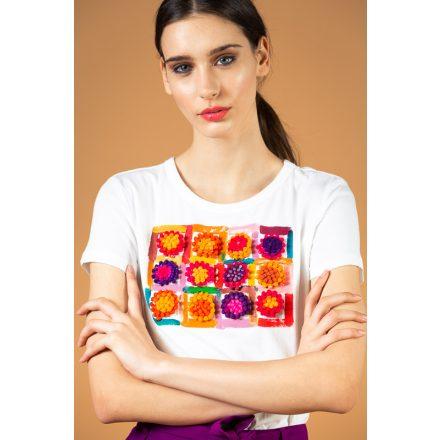 fehér színes pomponos festett póló